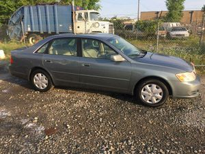 2000 Toyota Avalon xl 160k miles runs and drives!!! for Sale in Temple Hills, MD