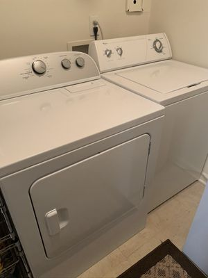 Photo Whirlpool washer and dryer