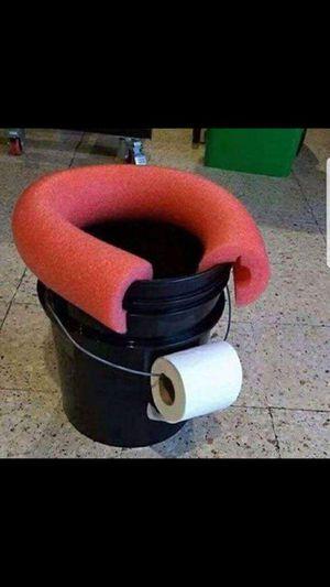 Portable toilets for Sale in Ocoee, FL