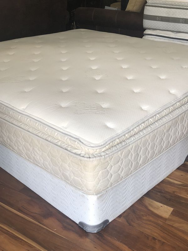 Used Sealy Posturepedic King Size Mattress And Box Spring Furniture