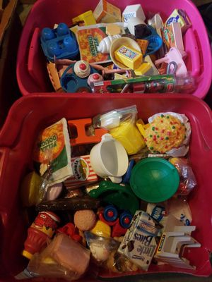 2 21gallon Tubs Of Vintage 80's Fisher Price Little Tikes Kitchen play food. for Sale in Washington, DC
