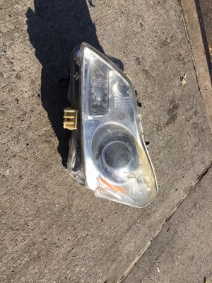 infiniti headlight for Sale in Queens, NY