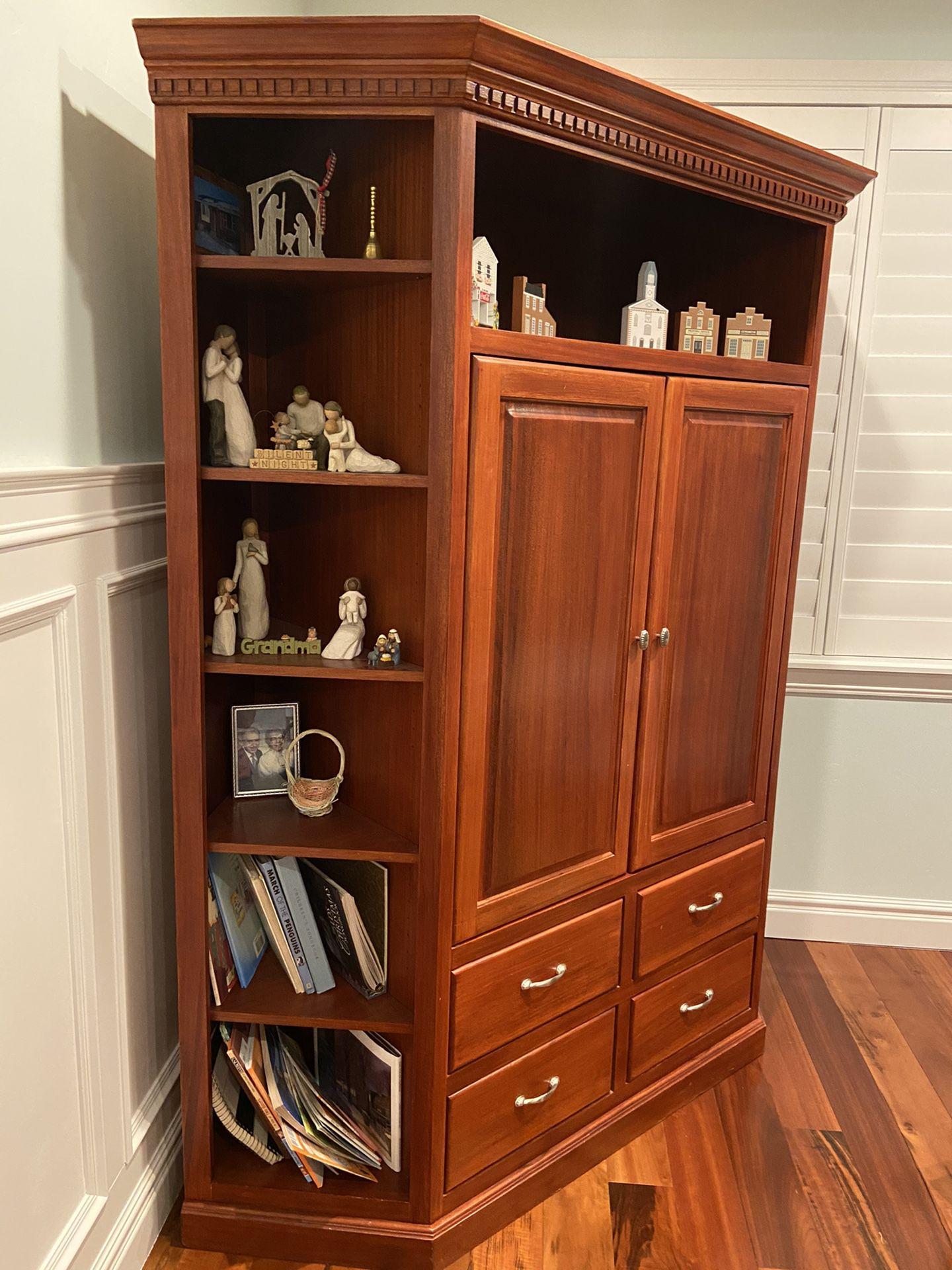 Corner Cabinet / Entertainment Center