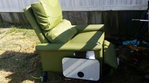 Wal-star Medical recliner excellent condition for Sale in Amelia Court House, VA