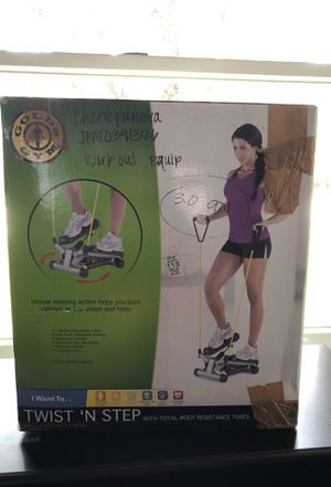 Gold's Gym work out equipment for Sale in Fairview Park, OH