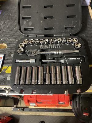 Photo Husky 38 piece mechanics tool set