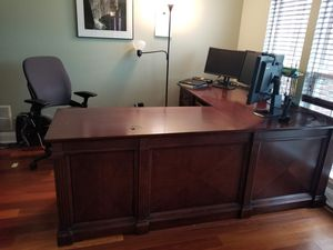 L Shape Executive Desk for Sale in Cooksville, MD