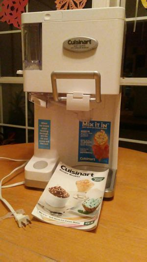 Cuisinart Soft Serve Ice Cream Maker for Sale in Woodbridge, VA