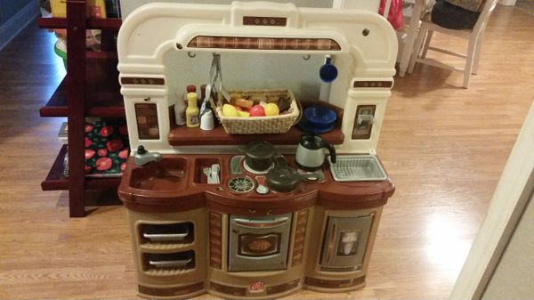 Step 2 Lifestyle Gourmet Cafe Kitchen Playset Play Set With Accessories Food
