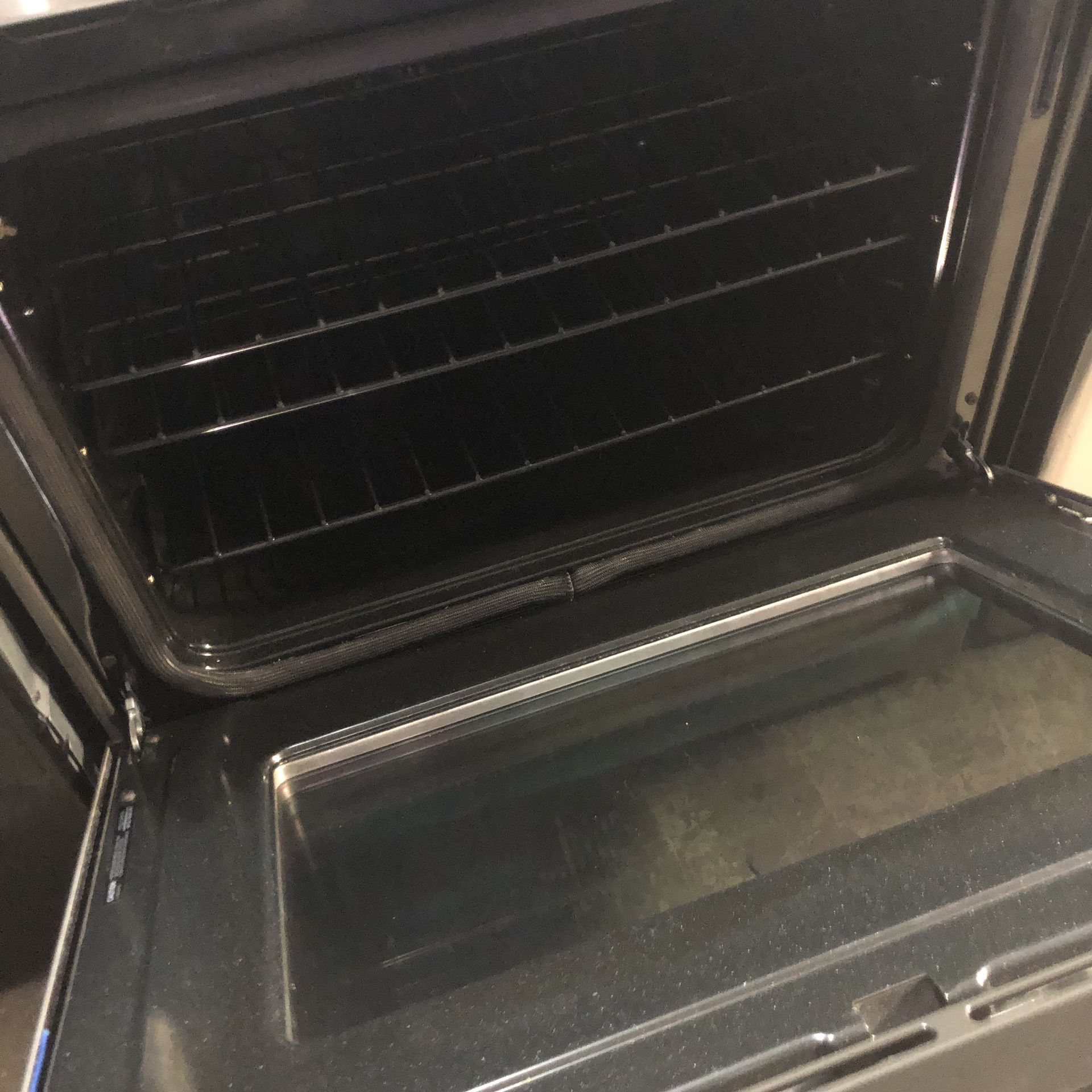 """GE PROFILE 30"""" DUAL FUEL 5BURNER USED LIKE NEW RANGE WITH GRIDDLE , CONVECTION & SELF CLEAN"""
