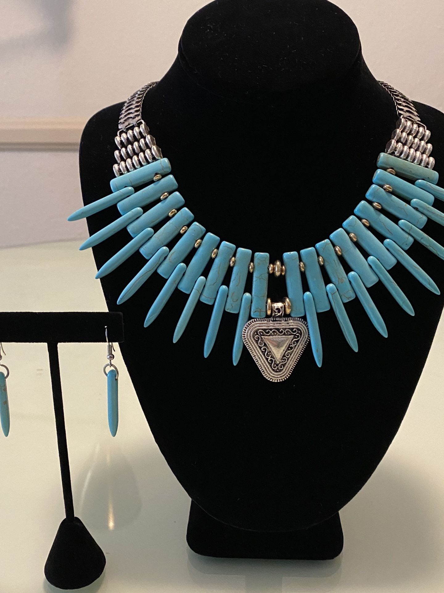 Turquoise Imitation Blue Necklace And Earrings