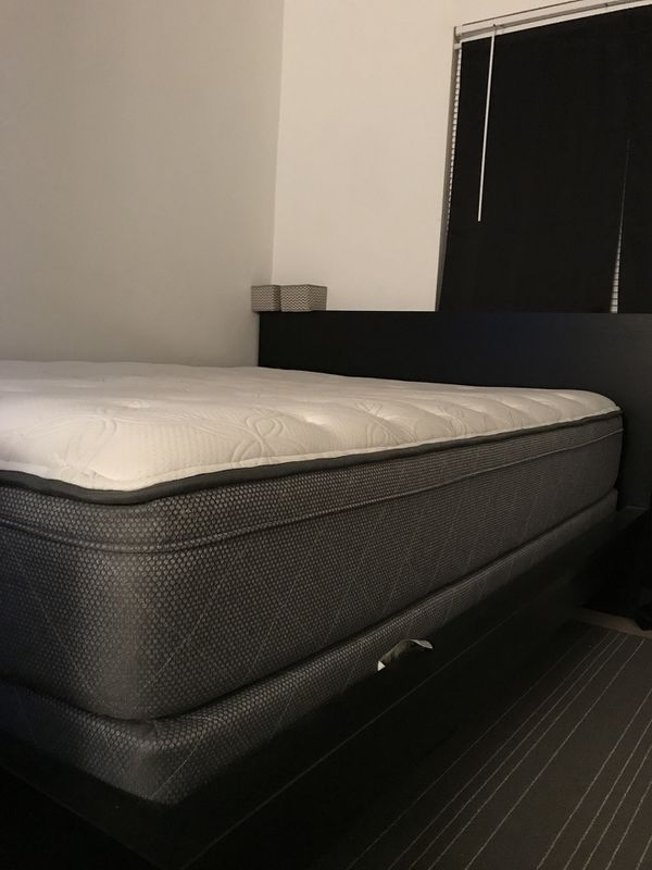 LIKE NEW-BED FRAME/BOXSPRING/PILLOW-TOP MATTRESS SET (queen ...