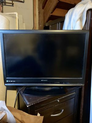 30' Emerson flat screen TV for Sale in Arlington, VA