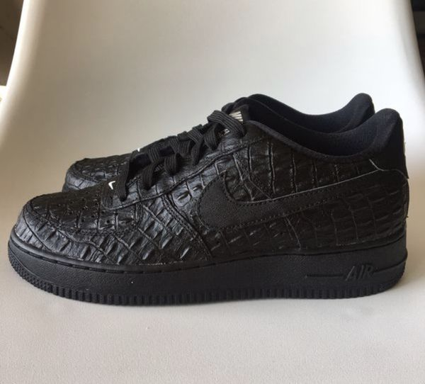 4200b168 Black air forces for Sale in El Mirage, CA - OfferUp