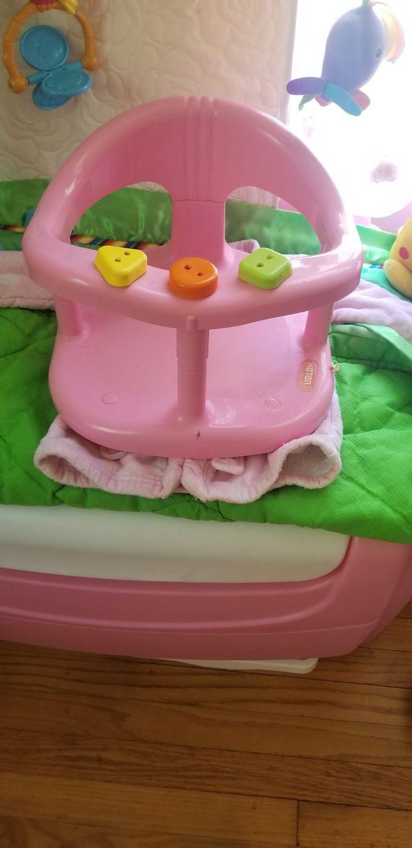 Keter baby bath ring (Baby & Kids) in North Branford, CT - OfferUp