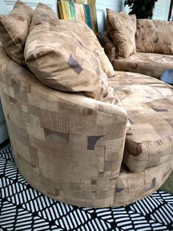 Pair of Lloyd's of Chatham Oversized Swivel Chairs (Free Delivery) Thumbnail