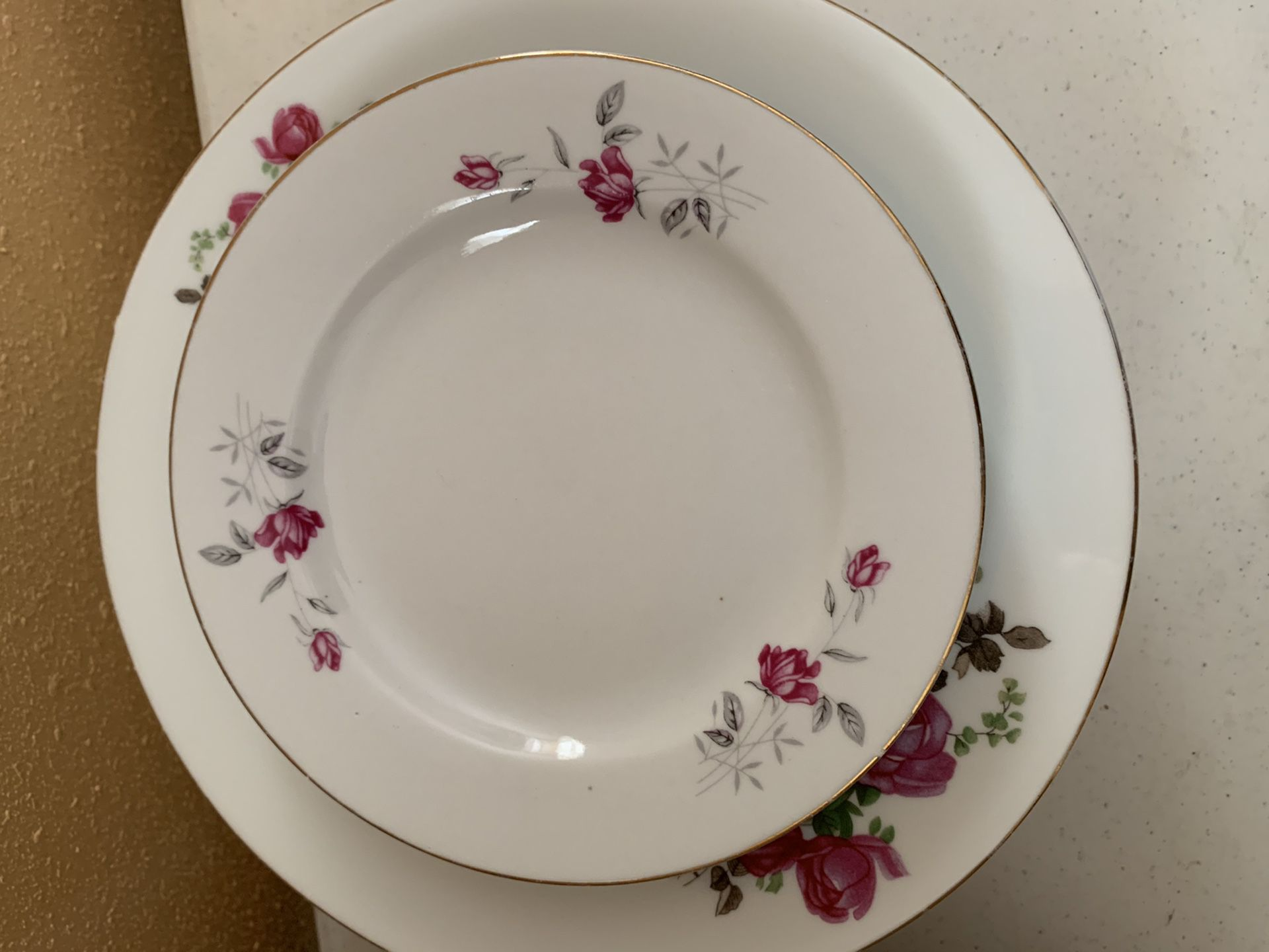 Accent chinaware