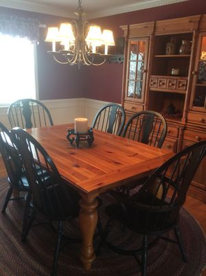 Gorgeous 9 Piece Broyhill Dining Room Suite For Sale In Lancaster PA