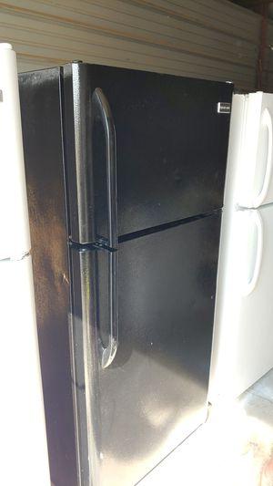 Photo Black Frigidaire refrigerator like new