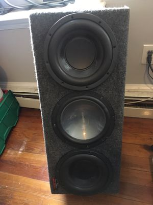 3 10 inches 2000 watts for Sale in Boston, MA