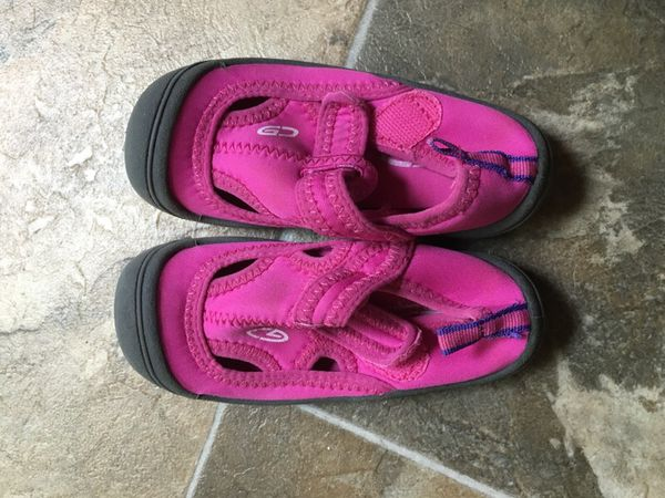 2ac0e329526a Champion Water Shoes for girl for Sale in Stafford