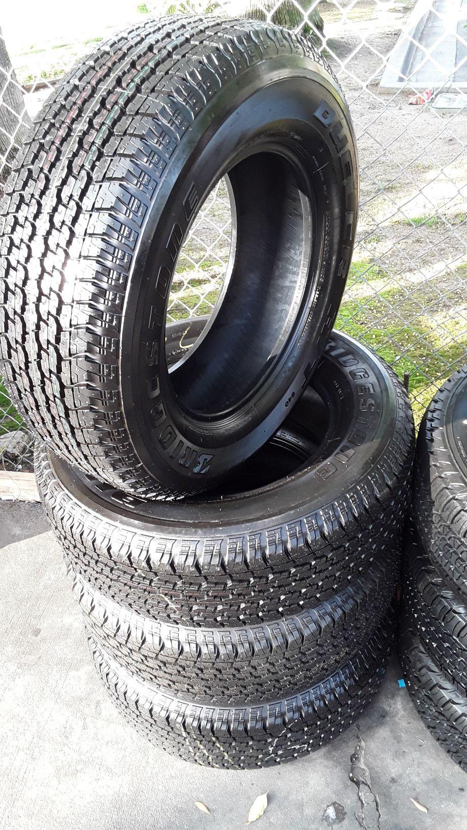 Set Bridgestone 265/65/17 semi new tires