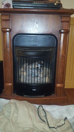 Ventless gas fireplace with thermostat and blower for Sale in Beltsville, MD