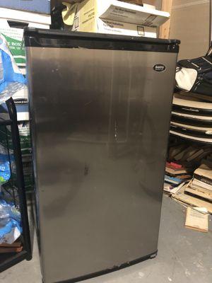 Sanyo Mini fridge for Sale in Silver Spring, MD
