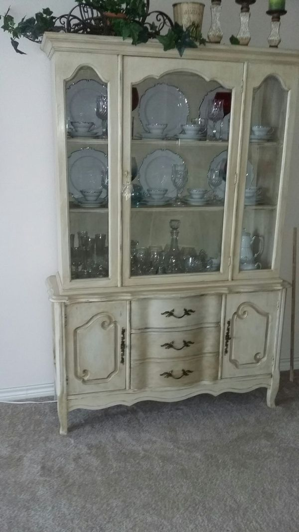 Antique white China cabinet (1 piece) (Antiques) in North Richland Hills,  TX - OfferUp - Antique White China Cabinet (1 Piece) (Antiques) In North Richland