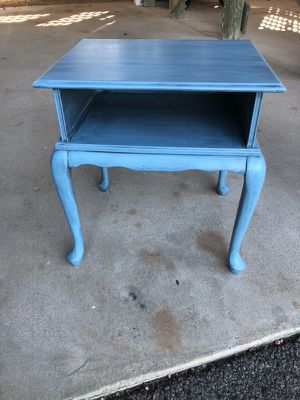 Bombay TV stand or side table for Sale in Midlothian, VA