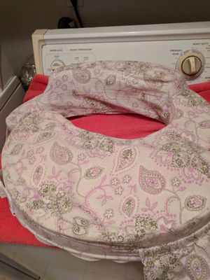 Breast feeding pillow for Sale in Berea, OH