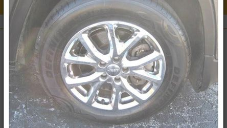 2015 Jeep Cherokee Thumbnail