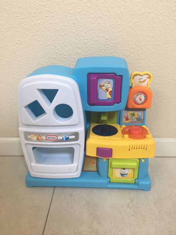 LITTLE TIKES PLAY KITCHEN for Sale in Tracy, CA - OfferUp