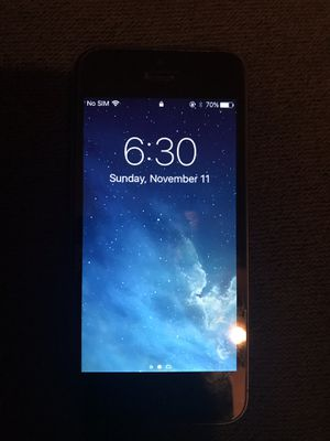 Iphone 5 - 16g - space grey (unlocked) for Sale in San Diego, CA