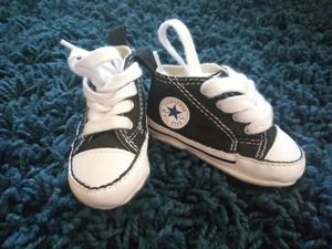 c7fdf1487b8 Baby Converse crib shoes in size 1--good condition for Sale in Hemet