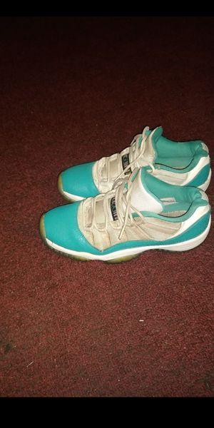 Jordan 11s low top size 6.5 for Sale in Compton, CA