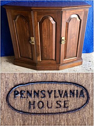 Pennsylvania House Cherry Entryway Foyer Cabinet for Sale in Ellicott City, MD