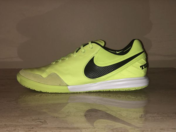 769cdcebd61d Nike TiempoX Proximo IC Indoor Soccer Shoes 843961-707 Men s US 8.5 Volt