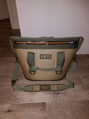 Yeti cooler for Sale in Los Angeles, CA