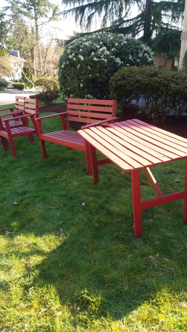 FREE outdoor wood patio furniture for Sale in Bothell, WA ...