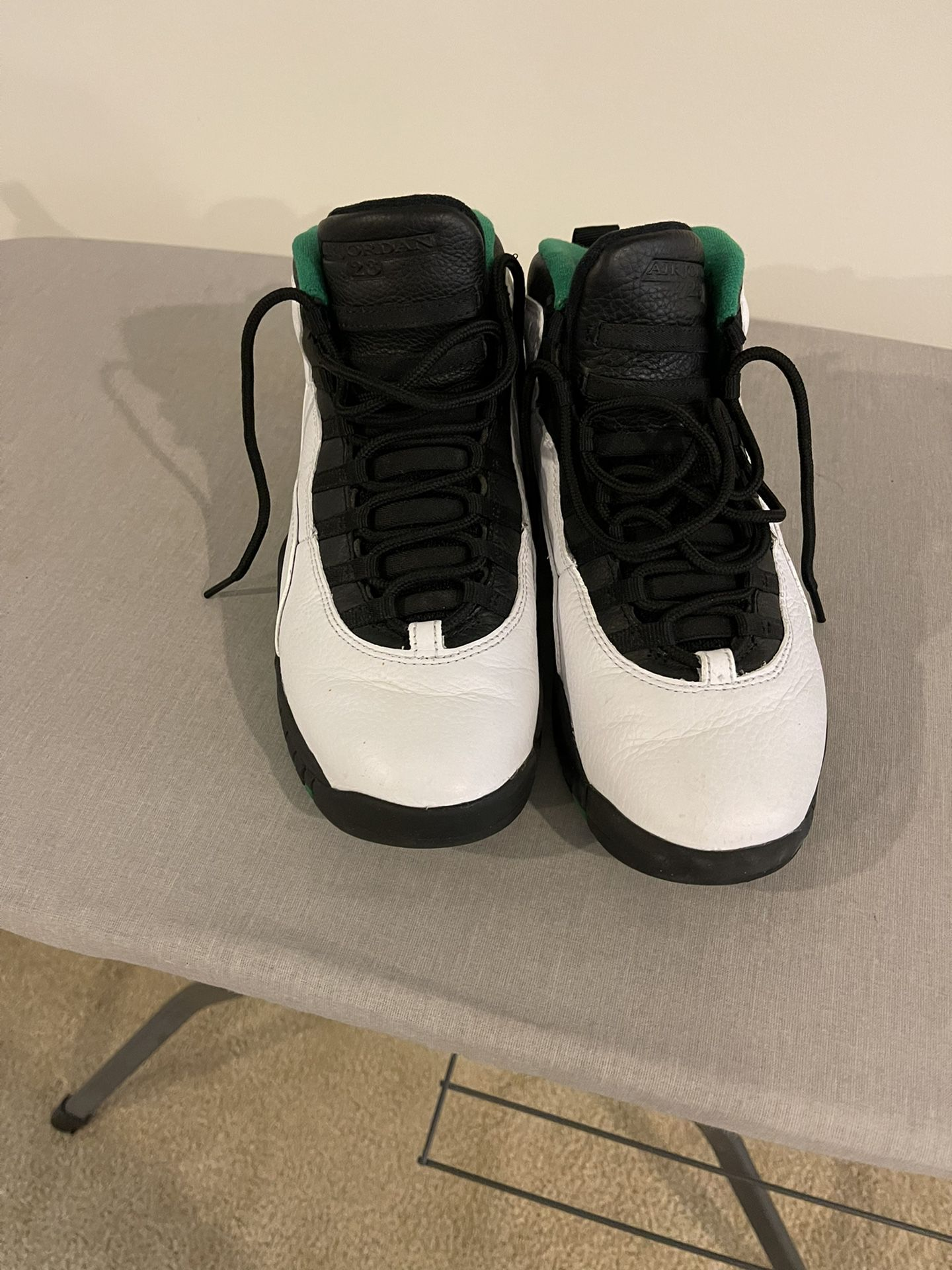 """Jordan 10 Retro """"Seattle""""  Sz 8.5 (No Box)"""