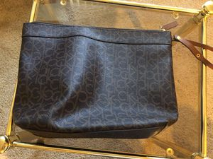 63e1cf63d3a1 Calvin Klein hand purse with wristlet handle for Sale in Vacaville