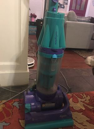 Dyson rootcyclone vacuum cleaner for Sale in Orlando, FL