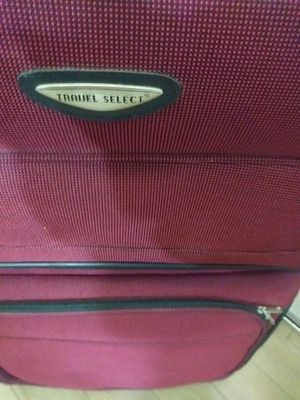TRAVEL SELECT SUITCASE for Sale in McLean, VA