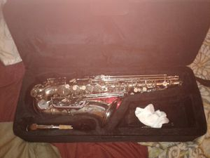 Slade trainer alto sax with case strap and mouth piece for Sale in Orlando, FL