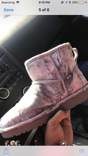 UGGS SIZE 6 for Sale in Baltimore, MD