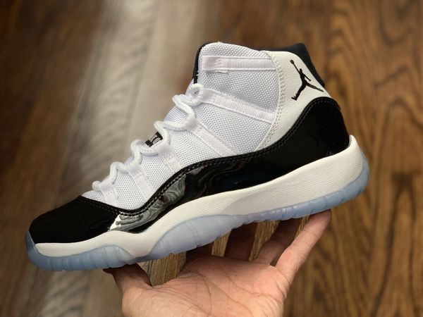11103fd9075d Air Jordan Concords 11 size 6y and 6.5y for Sale in Chicago