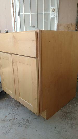 Kitchen cabinet for Sale in Phoenix, AZ