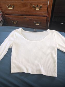 Forever 21 long sleeve crop top Thumbnail