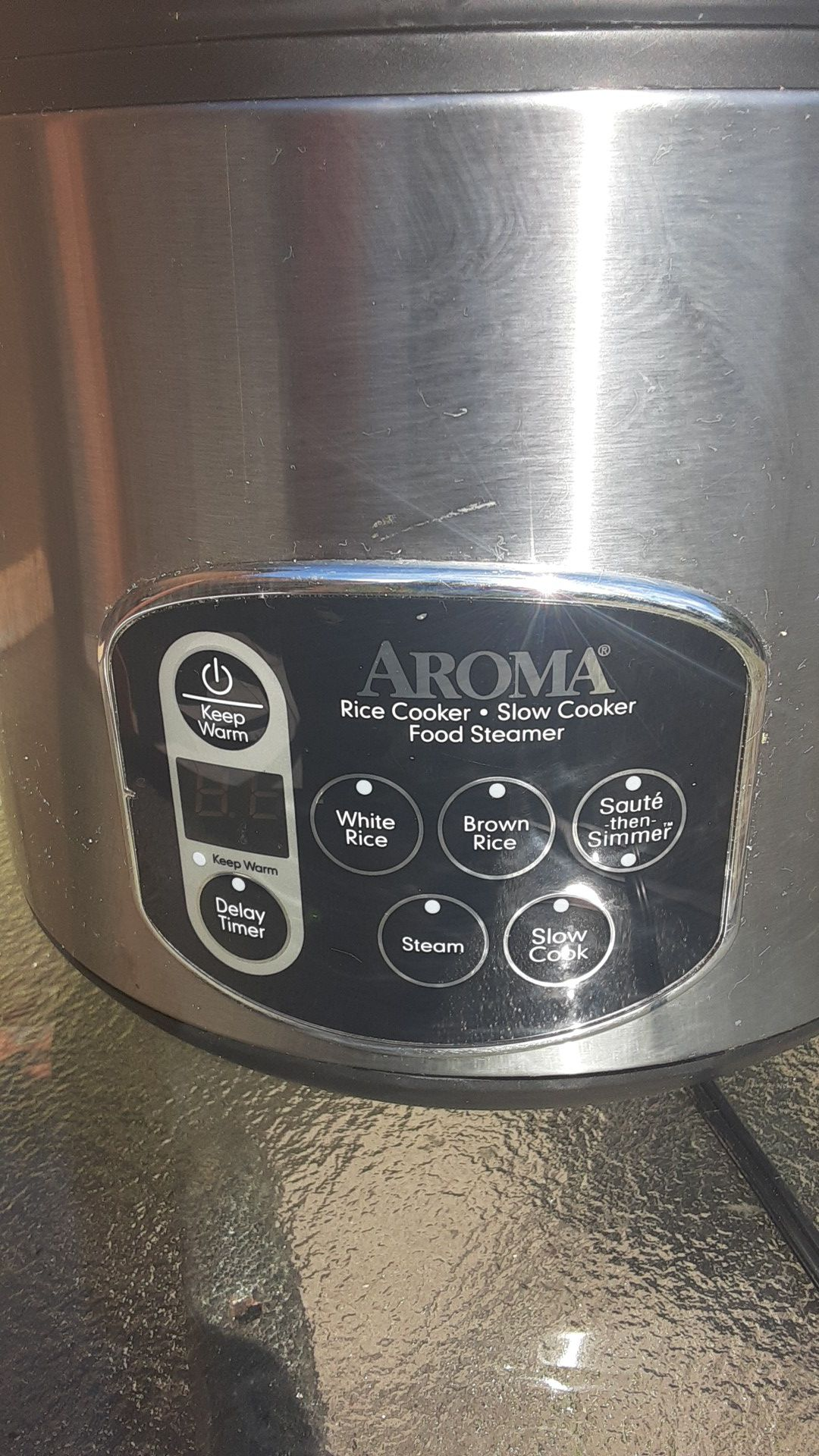 AROMA slow cooker